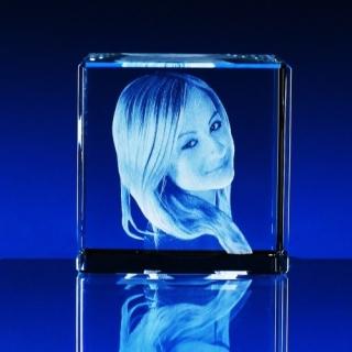 4aa8aa15c 3D portrét ve skle   2D a 3D fotky ve skle, skleněné foto dárky, 3D ...